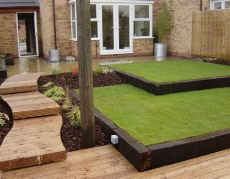 Sleepers For Garden Edging by Lawn Edging From Railway Sleepers Garden