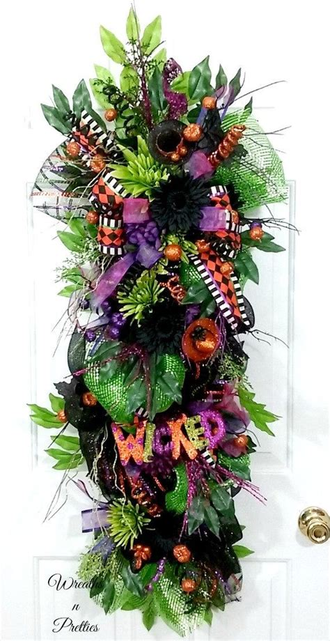 pin  halloween wreaths
