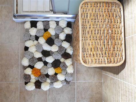 how to make a bathroom rug how to make a bathroom pom pom rug mallooknits