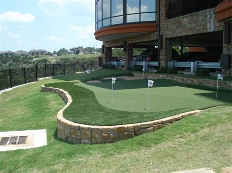 putting green in your backyard dallas putting greens sport court 174 dallas