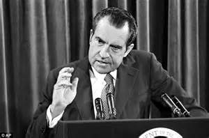 richard nixon and watergate the of the president and the that brought him books in this june 29 1972 file photo president richard nixon