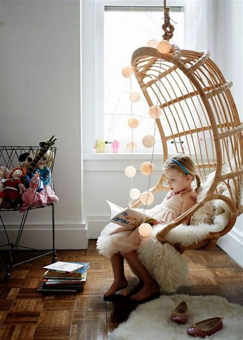 Hanging Reading Chair by 30 Creative And Cozy Reading Nooks For
