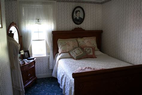 haunt bed for a creepy fall break head to these haunted bed and