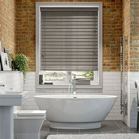 how to clean faux wood blinds in bathtub how to clean faux wood blinds in bathtub 28 images how