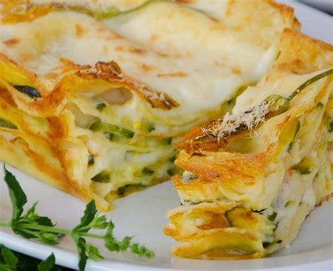 lasagne con zucchine e fiori di zucca spinosa mozzarella di bufala ricetta lasagne ai fiori