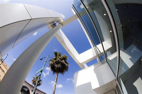 high tech houses high tech luxury houses booming across los angeles arie