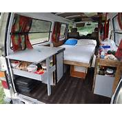 Van Am&233nag&233 / Essence 170 000 Km Nissan Caravan