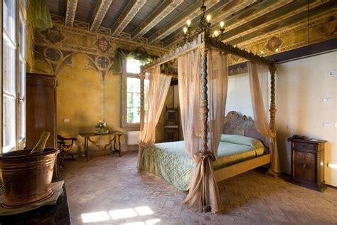 arredamento medievale dormire in un