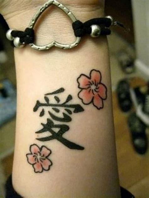 tatuaggi lettere cinesi tatuaggi polso 100 idee fra scritte disegni simboli e