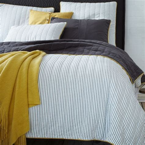 Mustard Bedding by 30 Printed Bedding Sets To Refresh Your Bedroom Digsdigs