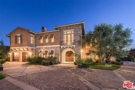 selena gomez house selena gomez is selling her hidden hills estate for 4 4m