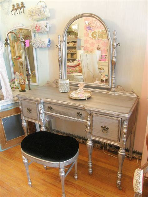 antique vanity sets for bedrooms vintage bedroom vanity table metallic paint vintage chic