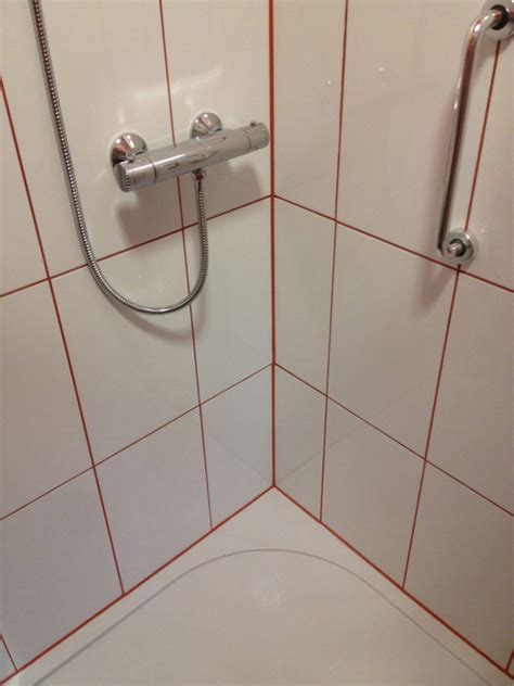 Grout Bathroom by What Colour Grout For White Bathroom Tiles