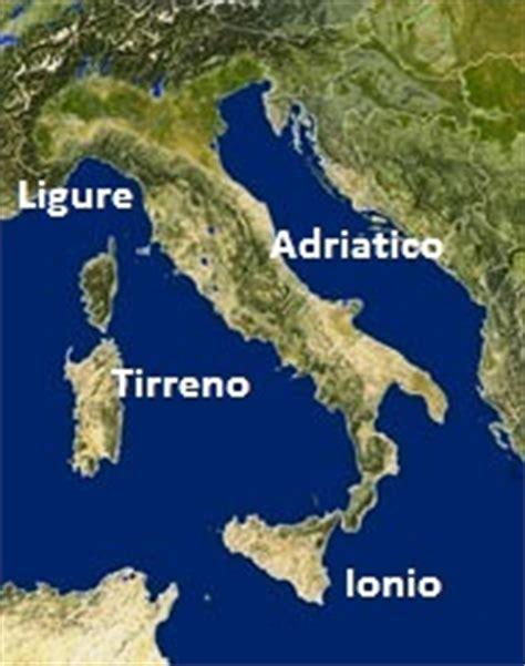 mari bagnano l italia i mari italiani i colori di san marco