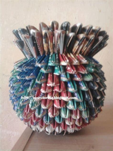 membuat kerajinan bunga dari koran kerajinan dari koran dan kertas bekas vas bunga