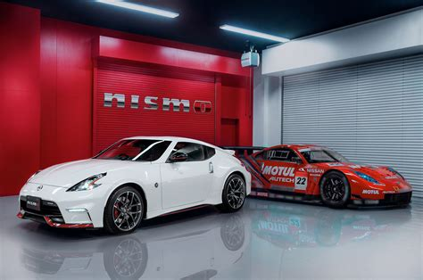 nissan nismo race car refreshed 2015 nissan 370z nismo debuts automobile magazine