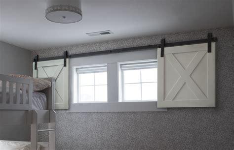 convert garage in schlafzimmer mini barn door shutters for small spaces