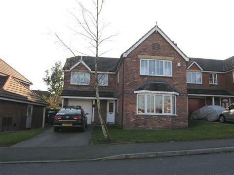 4 bedroom house for sale in blackburn 4 bedroom detached house for sale in england avenue