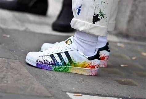 Sepatu Adidas Superstar Low Unisex Made In 1 schuhe 50 unisex adidas superstar pride pack