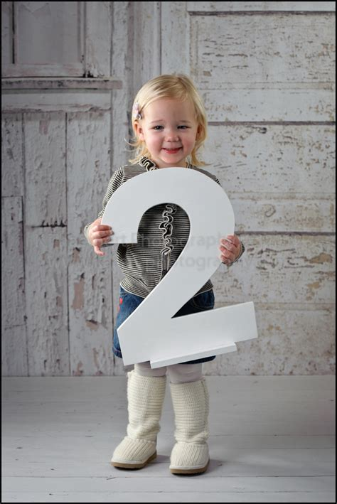 how to a two year children s photographer in st charles toddler photographer