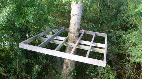 How to build a treehouse in a simple way?