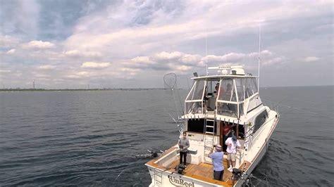 charter boat fishing videos unreel charters 61 fishing boat youtube