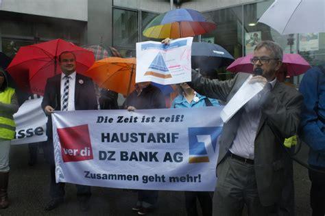 bank in der nähe ver di protestaktion vor der sparda bank