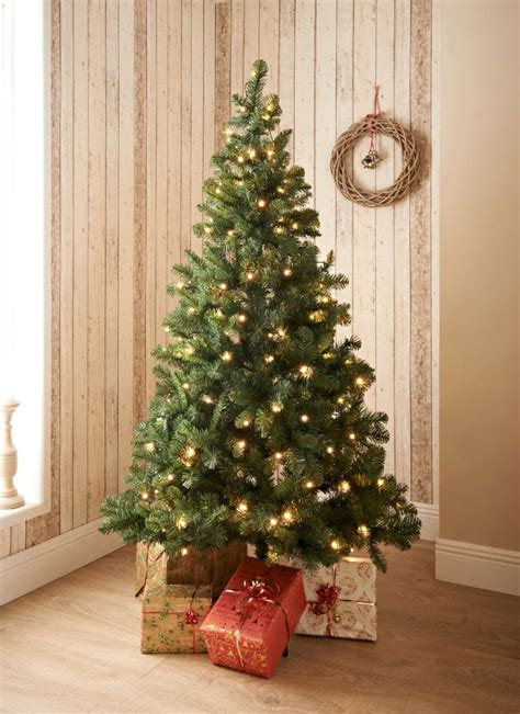 b m lifestyle best of b m s artificial christmas trees