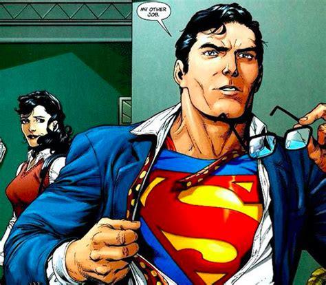 Clark Clasik supergirl set images show classic clark kent moment
