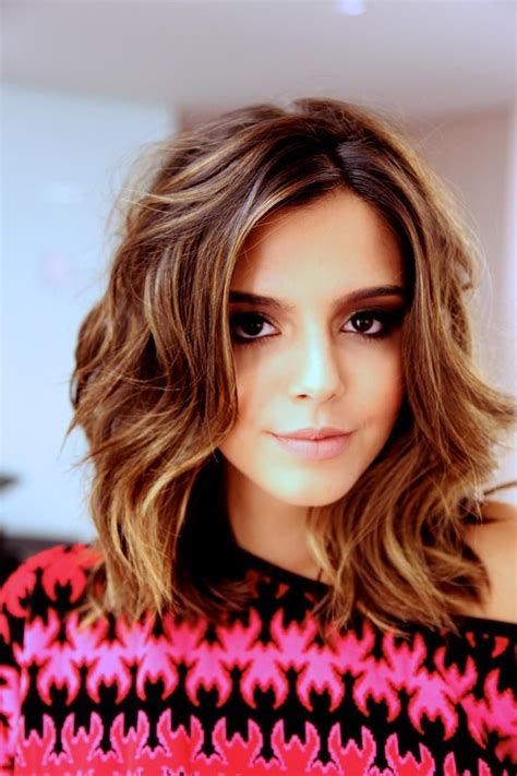 medium length hairstyles top 10 most glamorous wavy hairstyles for shoulder length