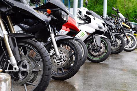 Motorrad Grundkurs Teil 3 by Motorrad Grundkurse Fahrschule Aebischer Aarau