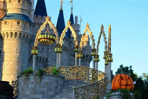 how to make the most of the holidays at walt disney world