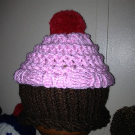 Knitted Cupcakes Seriously loom knit cupcake hat loom knitting