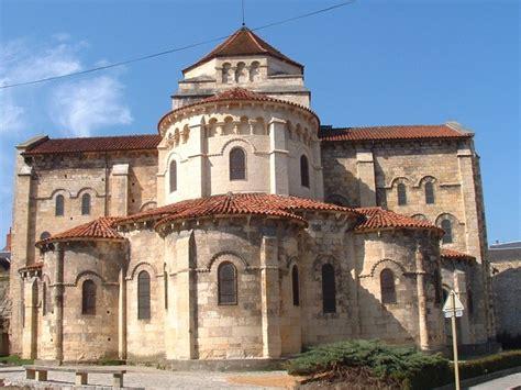 Église Saint Étienne de Nevers (Nevers, 1097) Structurae