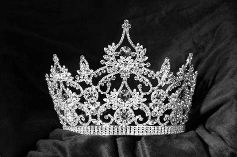 teen great britain crown crowns  sash pinterest great britain  crowns
