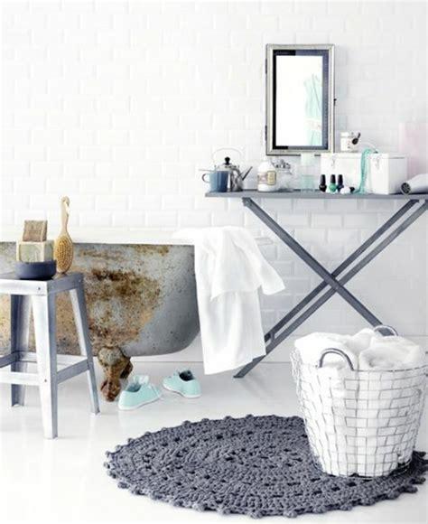 Runder Schwarzer Teppich by Badezimmergarnituren Welche Mit Ihrer Schlichtheit Bezaubern