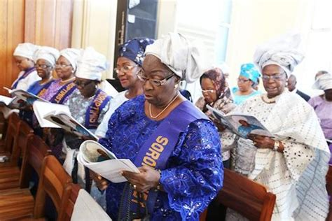 photos from the funeral service of joke silva s