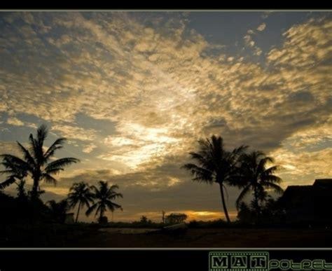 wallpaper angsa cantik gambar pemandangan laut yang cantik gambar c