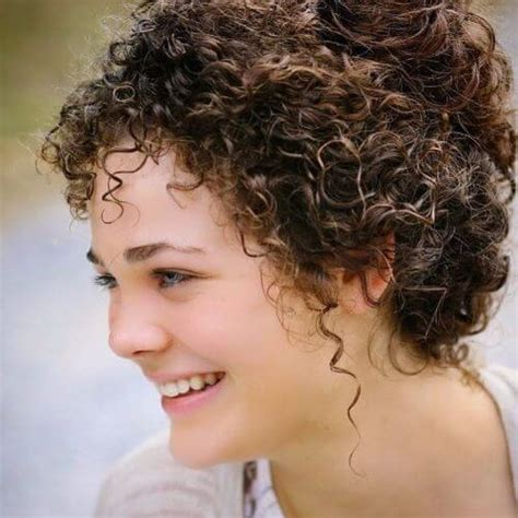 chin length messy haircuts 30 short haircuts for curly hair which look good on anyone