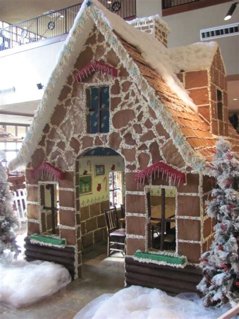 Do Great Wolf Lodge Gift Cards Expire - great wolf lodge is celebrating with snowland life size gingerbread house and more