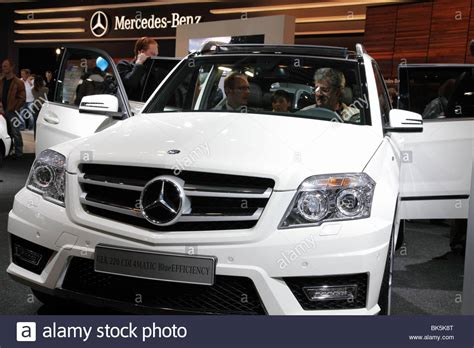 mobil stock mercedes glk 220 cdi 4matic blueefficiency at the auto