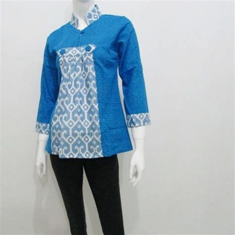 Baju Blus Etnica White tahun 2015 kami menghadirkan kombinasi warna cerah untuk baju blus batik modern yang dijual