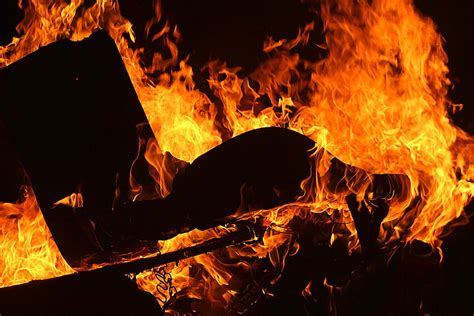 Flames Hitam free photo background black free