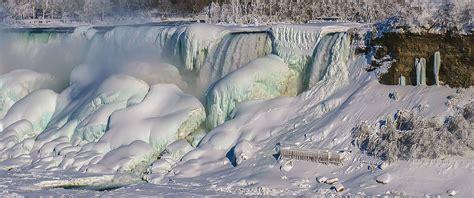 niagara falls boat accident frozen niagara falls like the last ice age 18 000 years ago