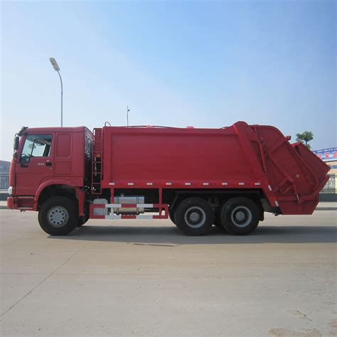 sinotruk howo  drive wheel hook lift garbage truck