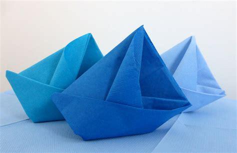 Pliage De Serviette En Bateau pliage de serviette de table en forme de bateau de voilier