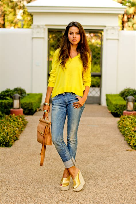 blogger yellow vivaluxury fashion blog by annabelle fleur mellow