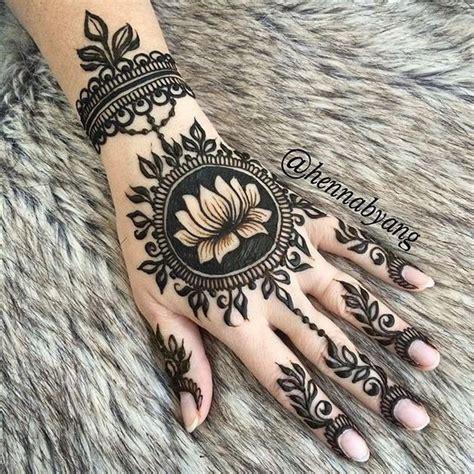 henna style lotus tattoo 12 best lotus mehendi motif images on henna