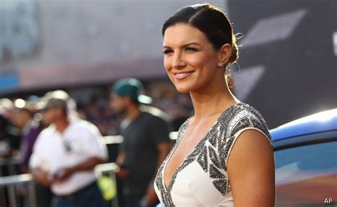 top 10 beautiful mma female fighters if there s a wonder woman movie gina carano could star in