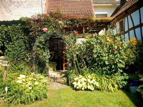 garten dekor landhaus - Ausgefallene Pflanzgefäße Für Den Garten
